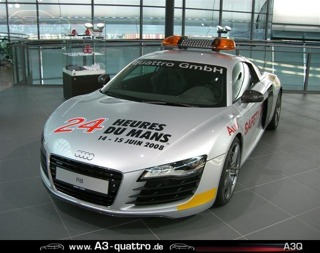 bilder audi r8 safety car 24std le mans alle anderen. Black Bedroom Furniture Sets. Home Design Ideas